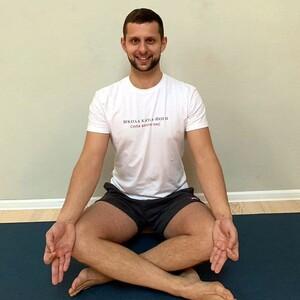 Йога для начинающих с Антоном Агеевым (трансляция класса) / 1,5 часа