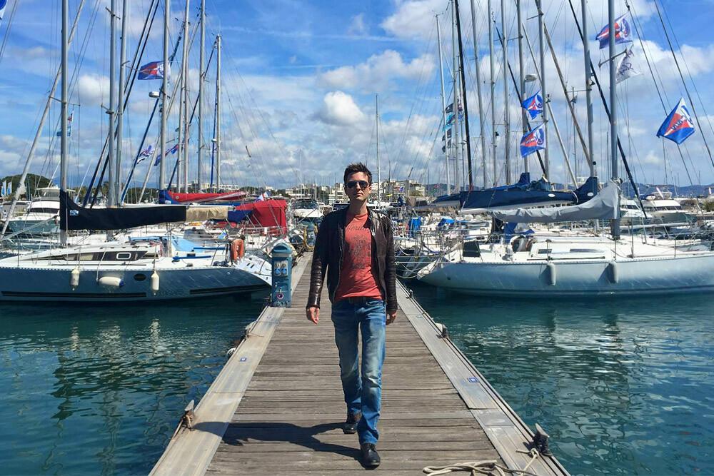 <p> Система дает свободу путешествовать, работать с клиентами по всему миру (Ницца, Франция, проект — отель в Каннах)</p>